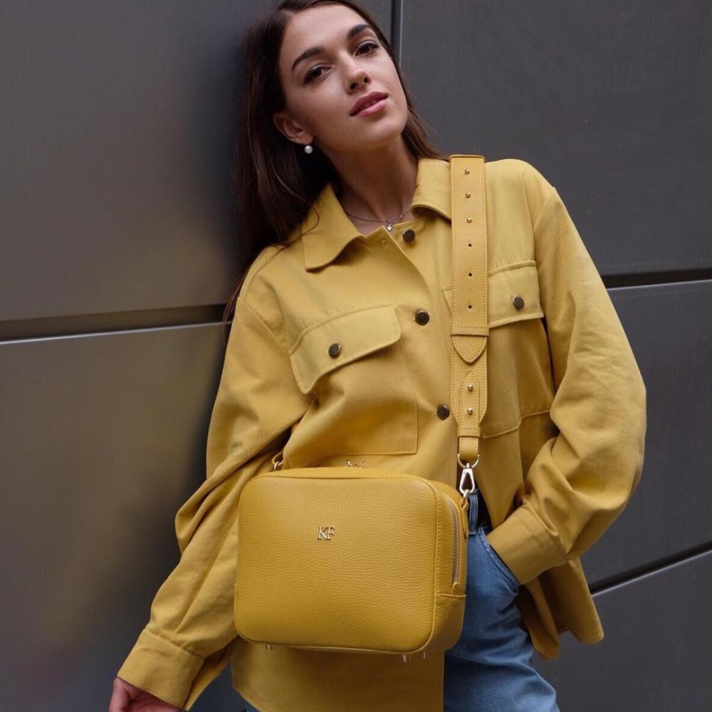 Жіноча шкіряна сумка кросс-боді на широкому ремені Tatiana M KF-3874-8